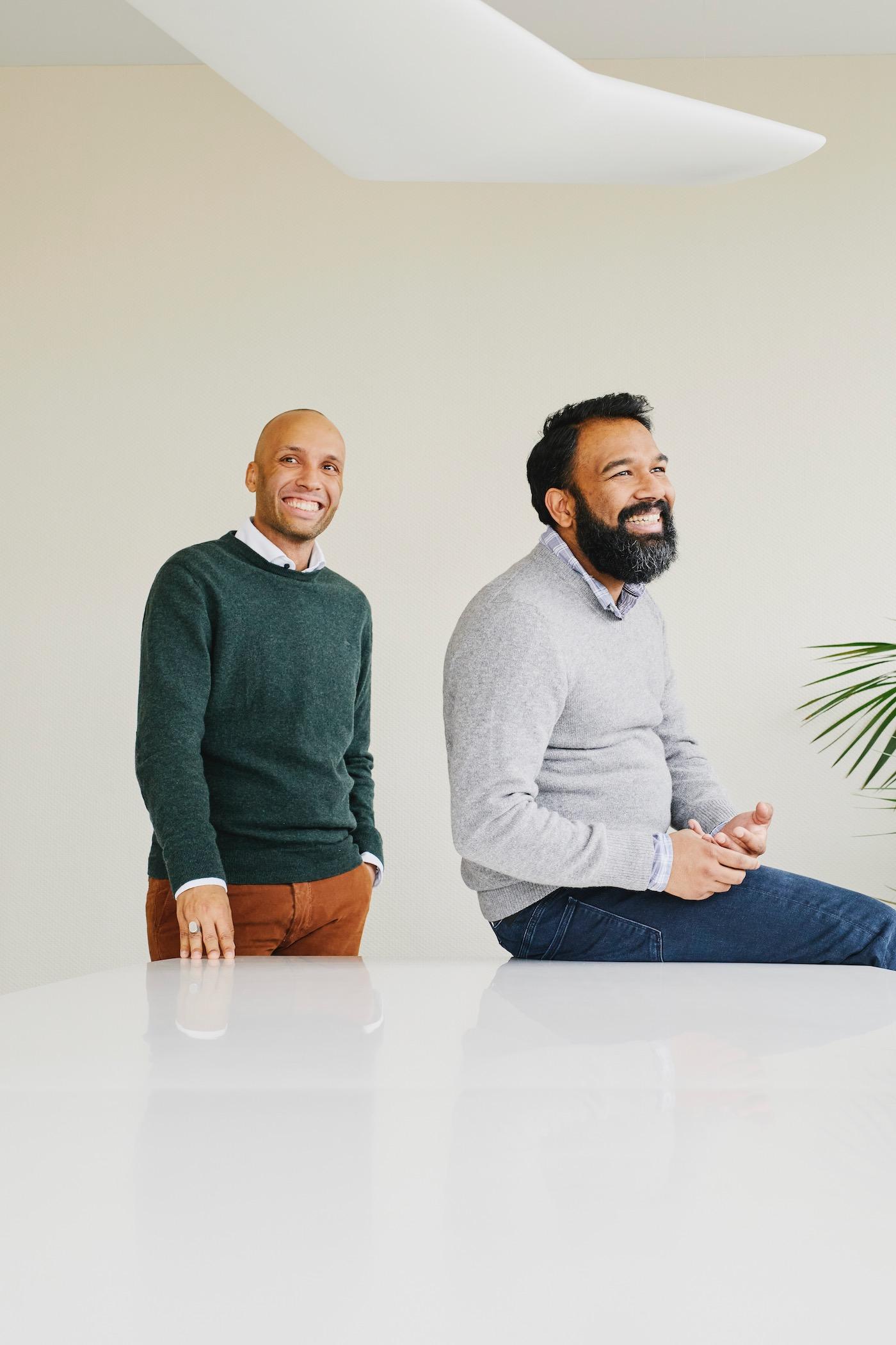 Mit Unternehmer Lionel Benny (links) plant Anpalagan ein neues Projekt.