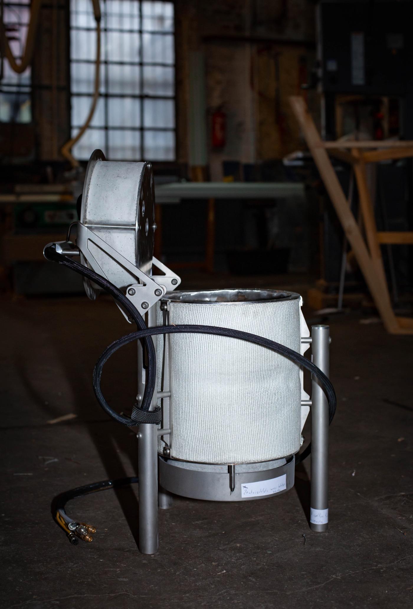 In der Werkstatt entstand zuletzt auch ein transportabler Verbrennungsofen.
