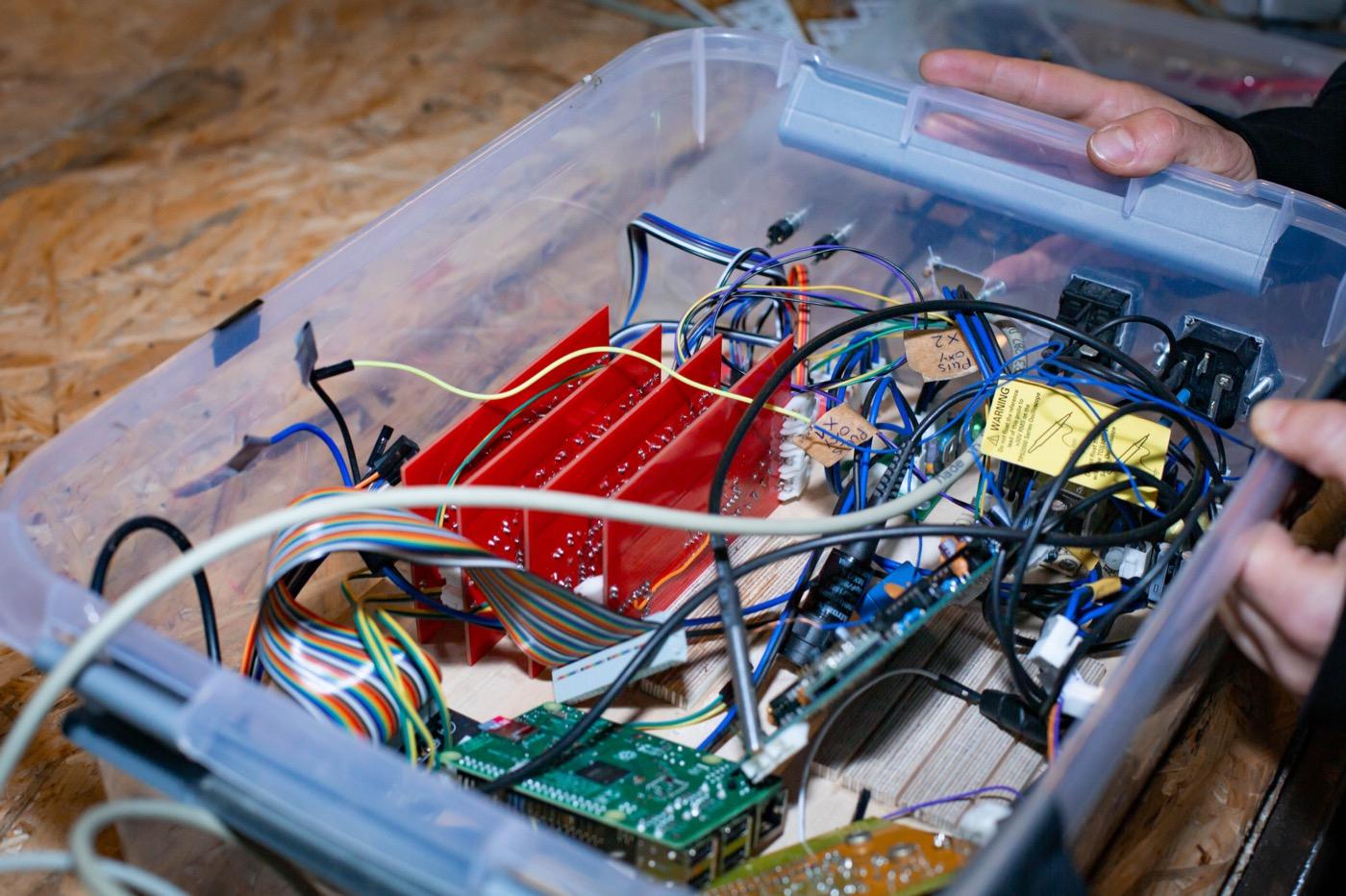Bei technischen Innovationen helfen Hochschulen oder die Hacking-Szene.