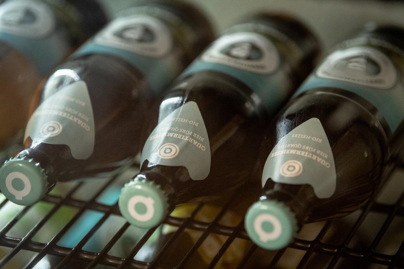 Das Bier gibt es in 0,3-Liter-Flaschen, als Halbliterversion und im Fass.