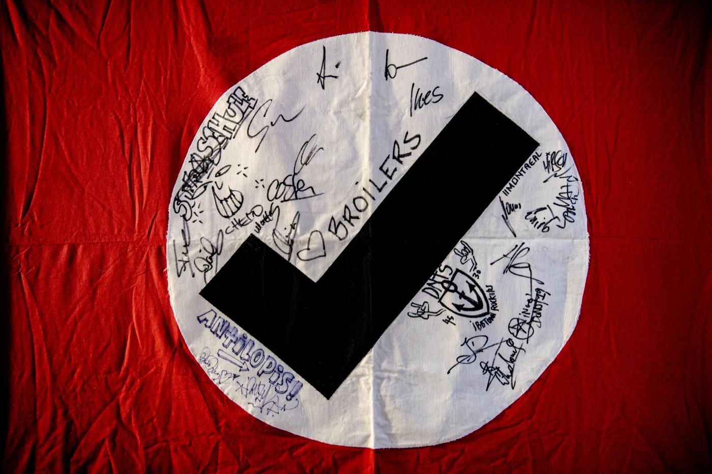 Auf dem Logo der Hooligans haben sich prominente Fürsprecher verewigt.