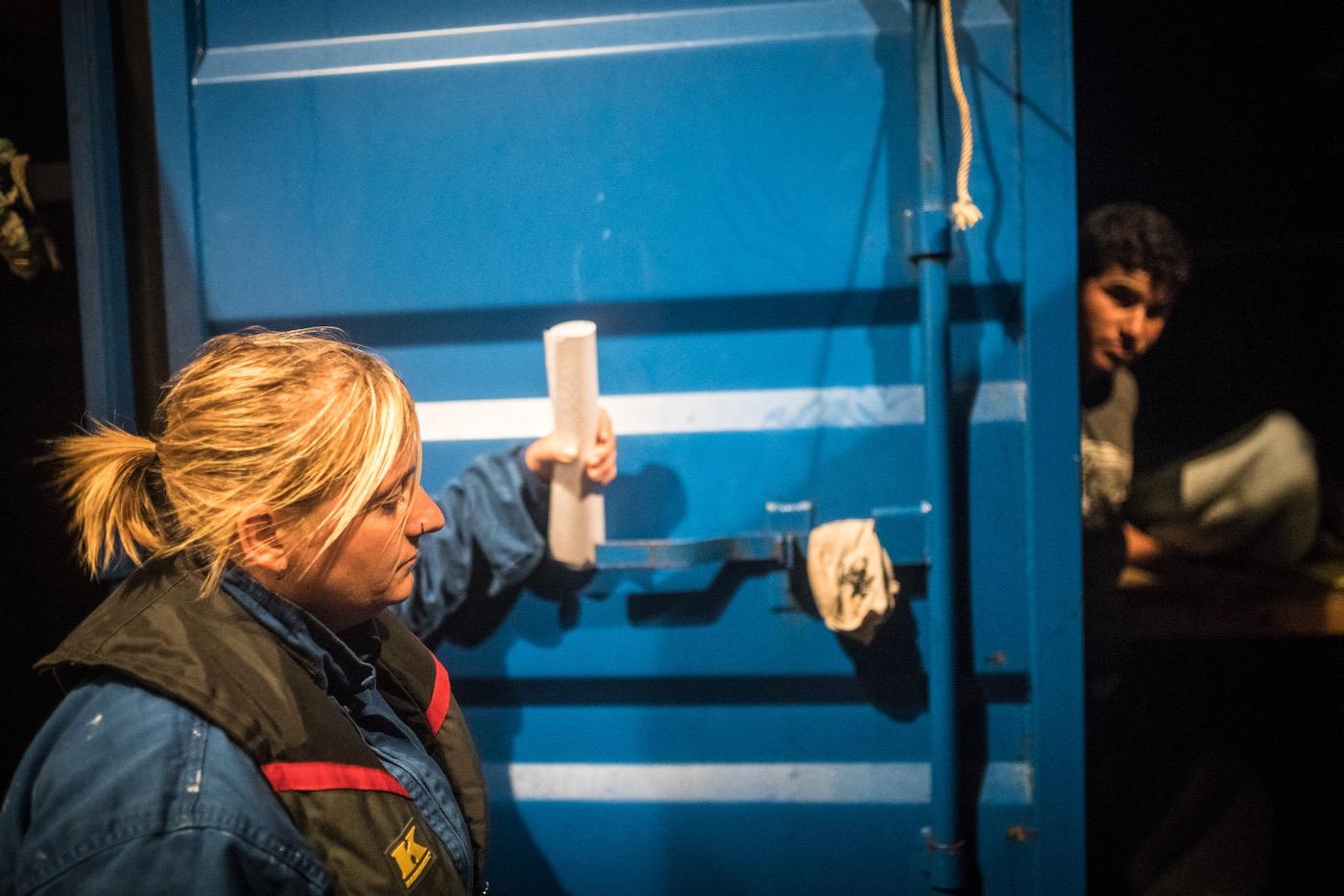 "Daniela mitten in der Nacht an Bord der ""Alan Kurdi""."