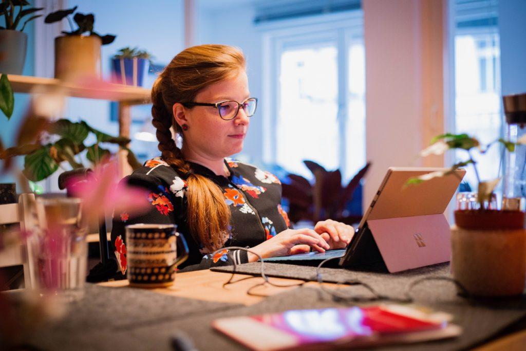 Die Journalistin Judyta Smykowski will die Medienbranche inklusiver machen.