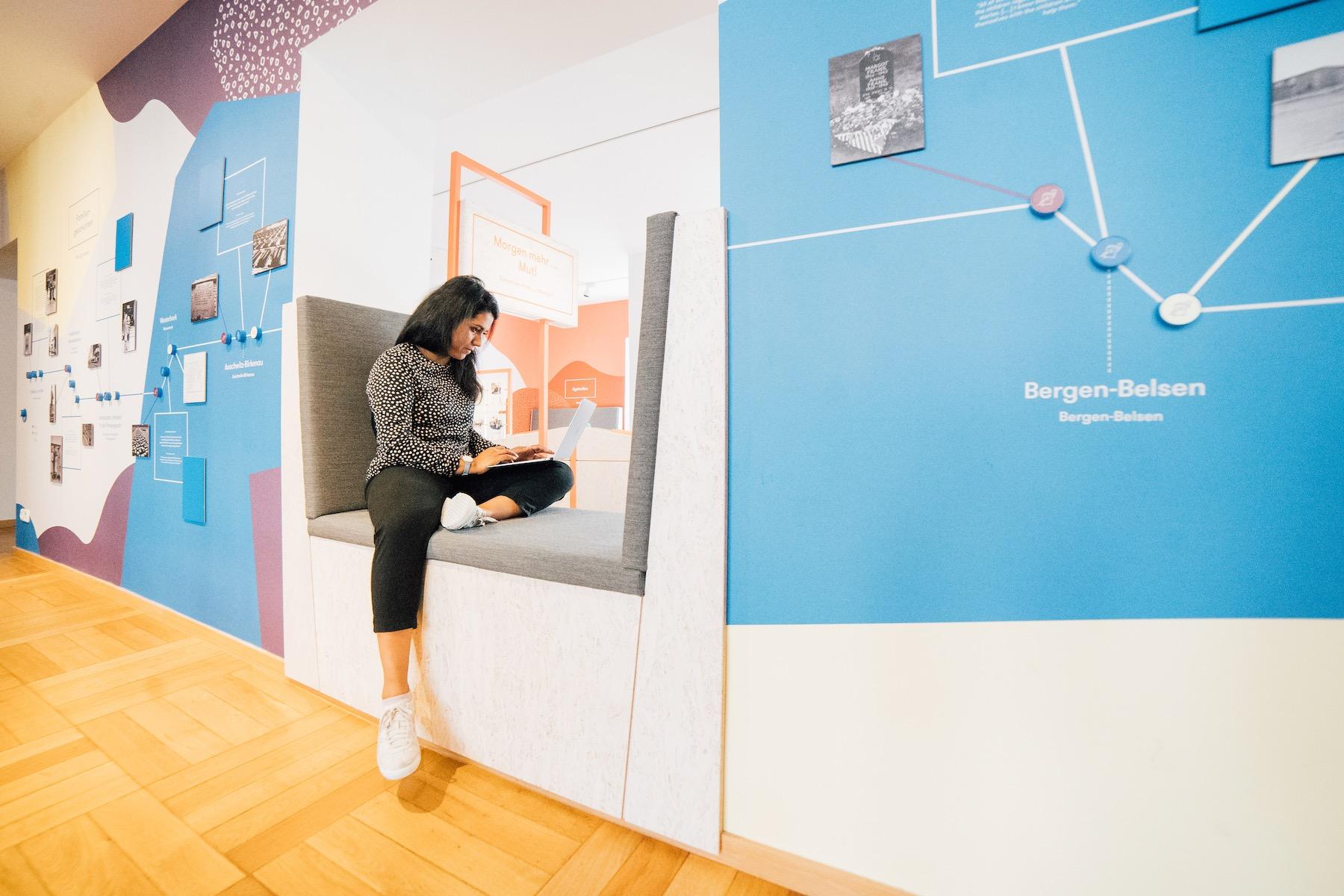Arbeiten im Herzstück der Bildungsstätte Anne Frank: das interaktive Lernlabor.