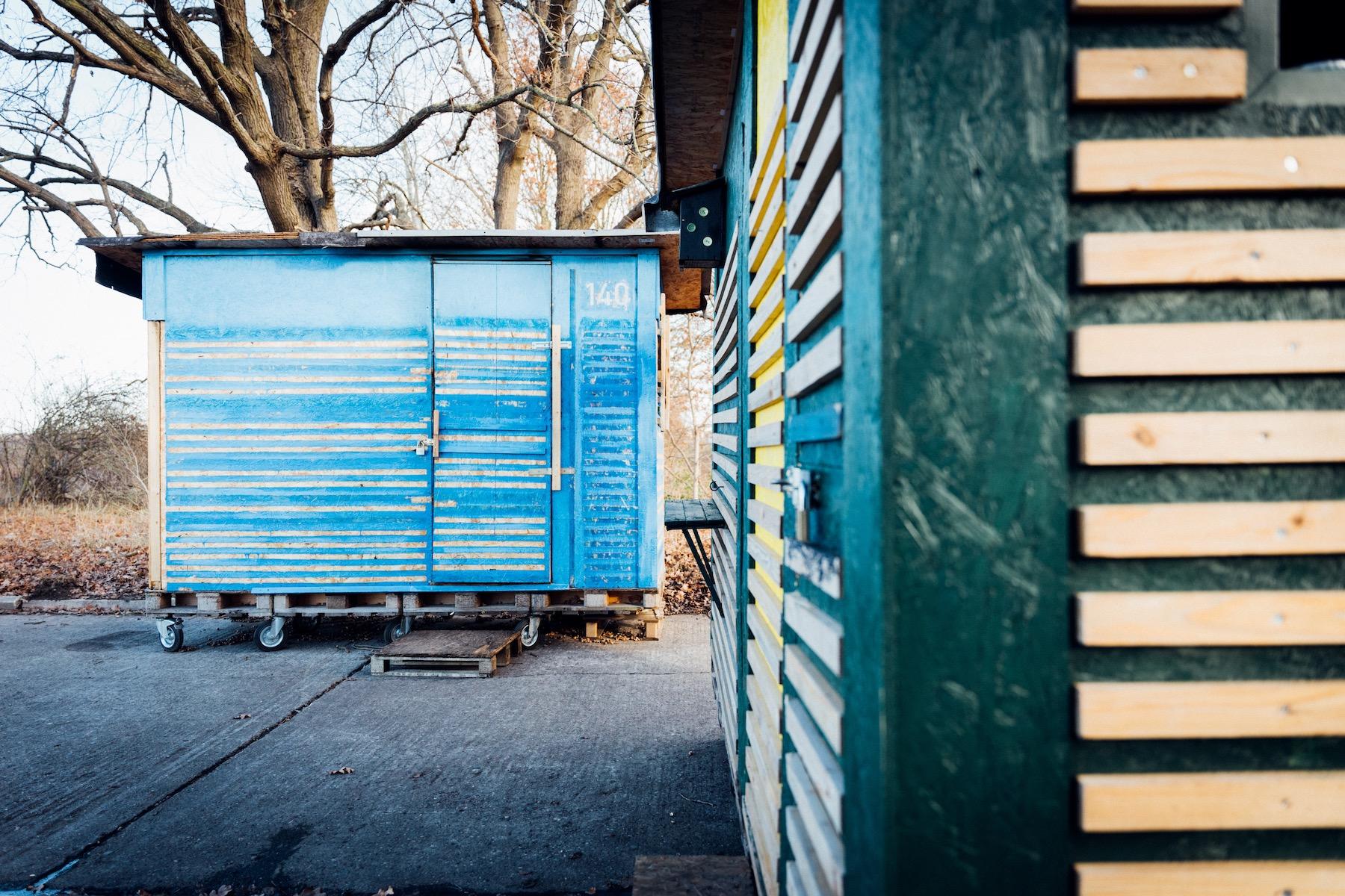 Die drei Quadratmeter großen Container bieten vor allem Schutz.